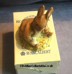 Royal Albert Beatrix Potter Benjamin Bunny Sat On A Bank quality figurine