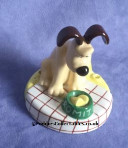 Coalport Wallace And Gromit More Cheese Gromit Coat quality figurine