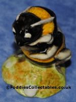 Royal Albert Beatrix Potter Babbity Bumble Royal Albert quality figurine