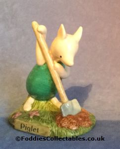 Royal Doulton Winnie The Pooh Piglet And The Haycorn quality figurine
